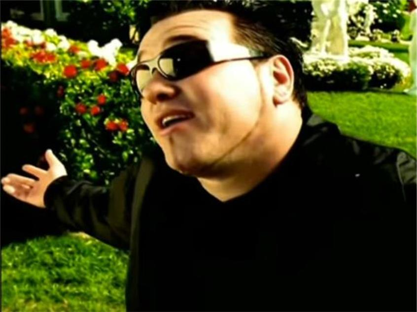 Our Top 16 Favorite Smash Mouth 'Allstar' Edits