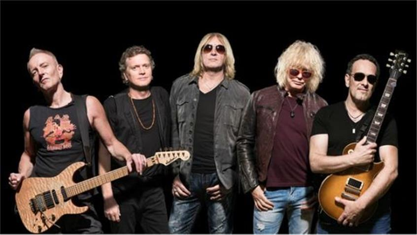 Advice From a Rock Veteran: Def Leppard's Phil Collen Talks Touring & Upcoming DVD
