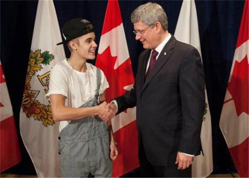 There's a Petition to Deport Justin Bieber