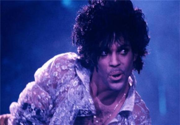 Facebook Sharing Has Prince's Purple Panties In a Wad