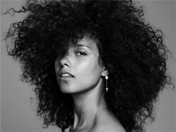 Alicia Keys Shows Us How Much She Loves God in 'That's Whats Up'
