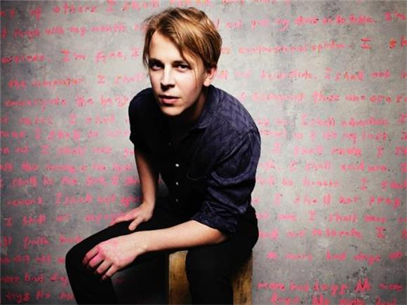 CURATED PLAYLIST: What Tom Odell is Currently Listening To