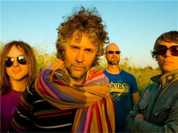 The Flaming Lips Play Miley Cyrus Collabs Minus Miley