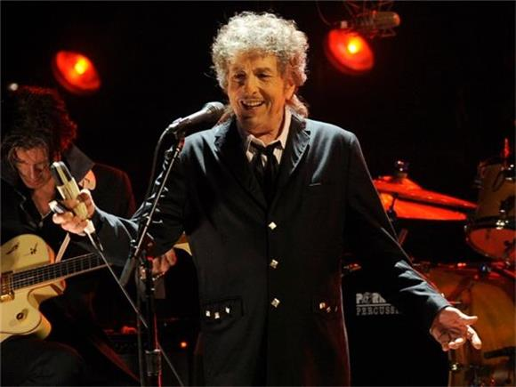 Nobel Prize committee fails to get response from Bob Dylan