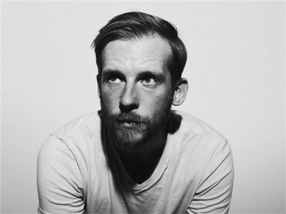 INTERVIEW: Kevin Devine Talks 'Instigator' OUT NOW, Audience Interaction, Longevity in Indie Rock