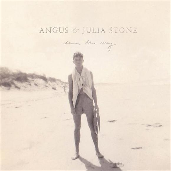 the facebook hookup: angus and julia stone