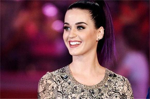 Superbowl Officials Confirm Katy Perry To Headline Halftime Show