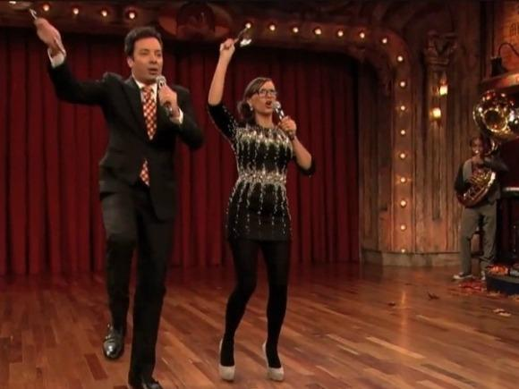 Jimmy Fallon and Rashida Jones Go Egg Nog Style