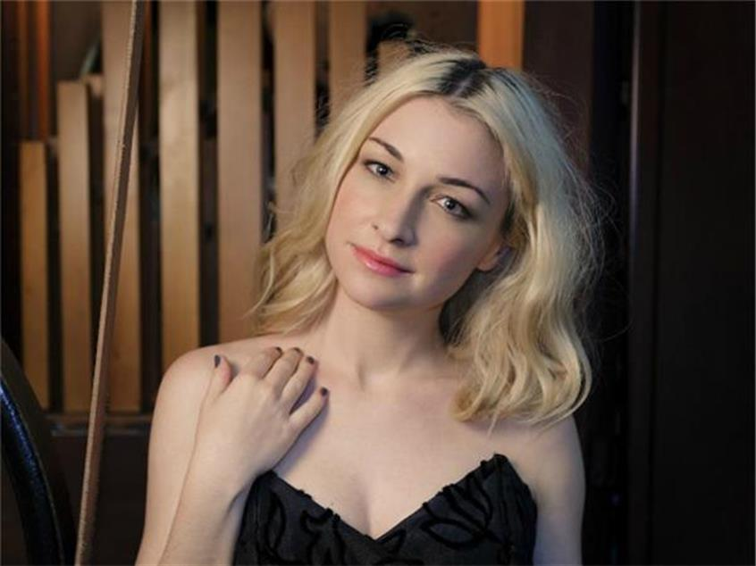 Get Raunchy This Christmas With Kate Miller Heidke