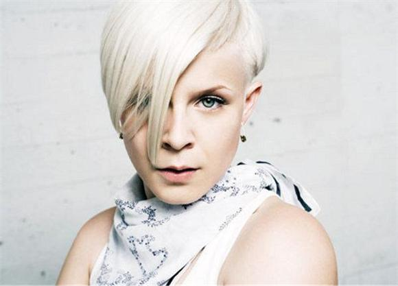 prime time: robyn