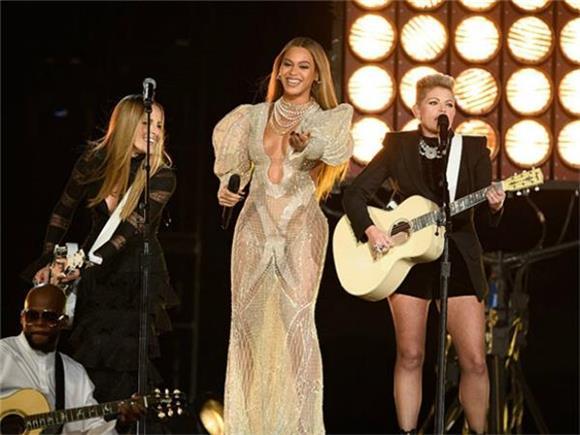 What Beyonce's CMAs Appearance Tells Us About Respect For and Between Artists