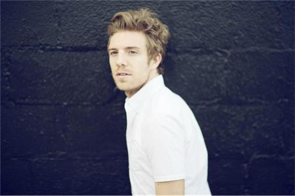 Now Playing: Andrew Belle's Soothing Atmospherics