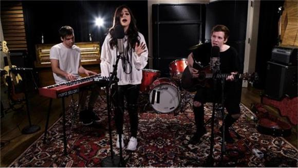 Now Playing: Against The Current's Emotional, Acoustic Session