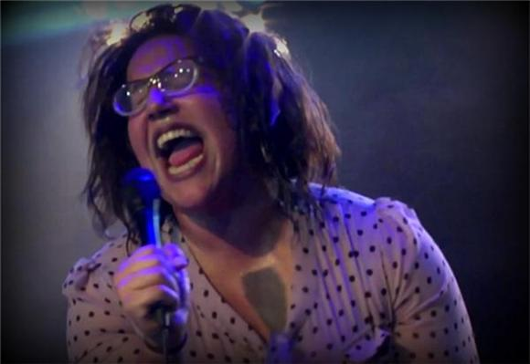 Now Playing: Alabama Shakes Sizzle In Sydney