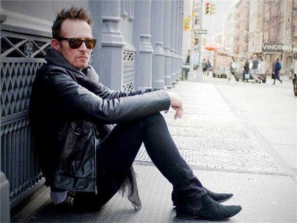 Former Stone Temple Pilots Frontman Scott Weiland Passes Away At 48