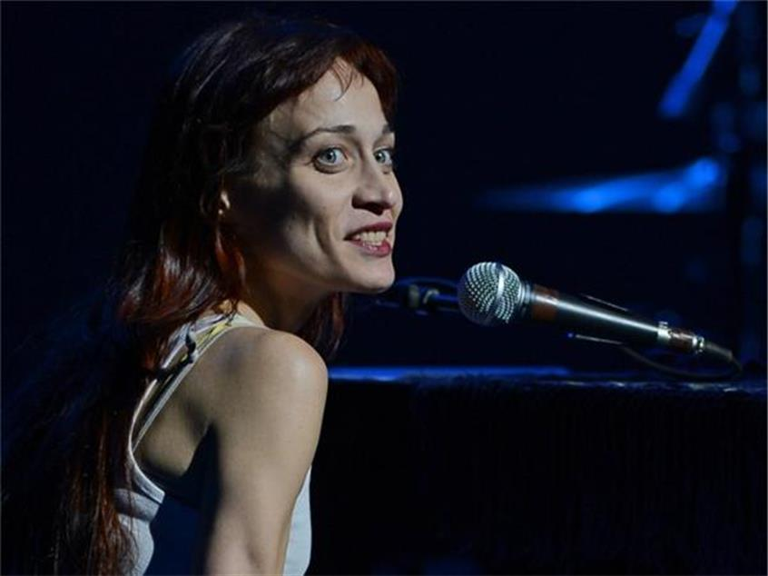 Fiona Apple Shares a New Anti-Trump Christmas Carol