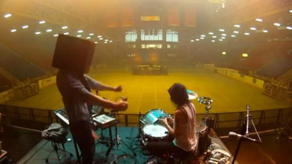 Matt and Kim Lead a Stadium-Sized Harlem Shake