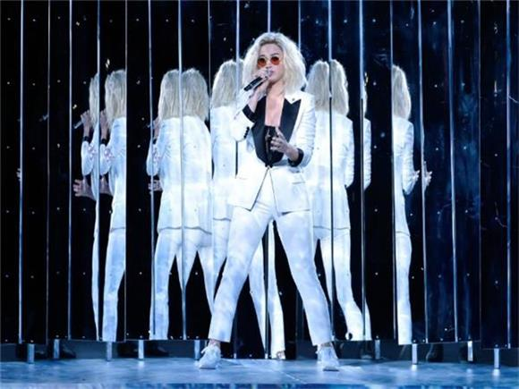 Everything That Was Wrong with Katy Perry's Grammy Performance