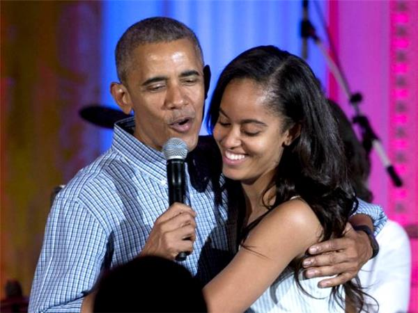 6 Best Moments of Obama Singing His Heart Out