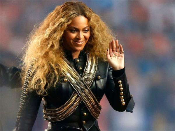 Watch Twitter Freak Out Over Beyonce's Coachella News