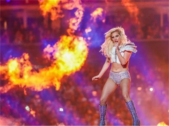 Our Favorite Tweets About Lady Gaga's Super Bowl Performance