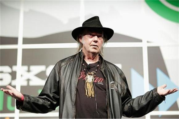 Neil Young's Pono Player Nearly Doubles Kickstarter Goal