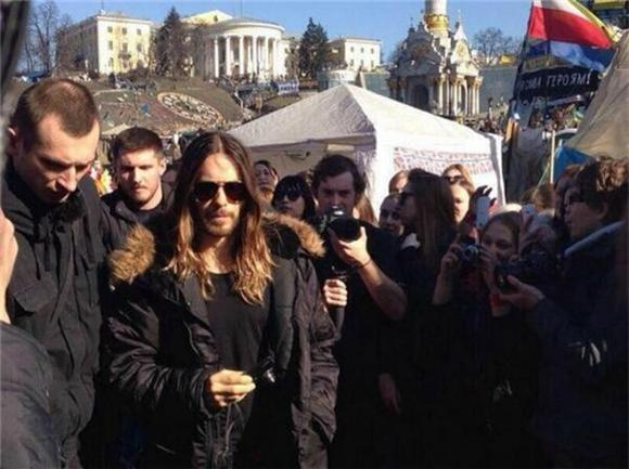 Jared Leto Performed For Ukranian Protesters In Kiev