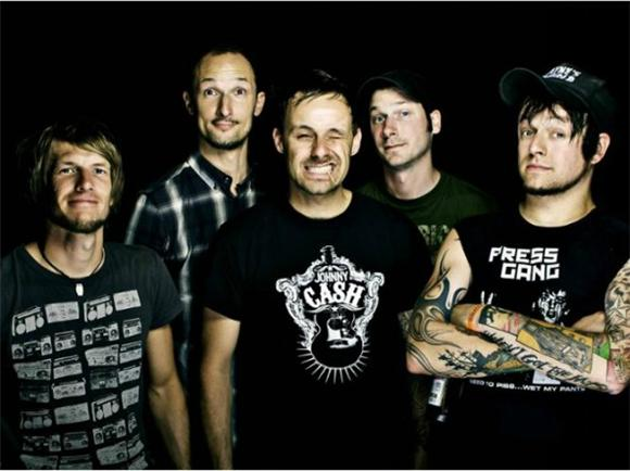 Follow Friday: Donots