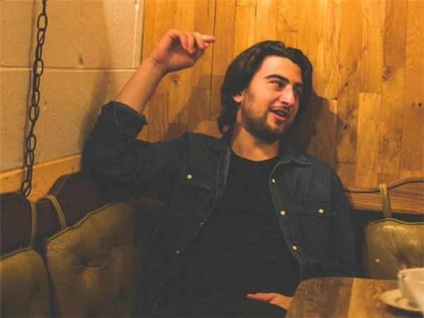 BAEBLE FIRST PLAY: 'Hold It Down' by Noah Kahan