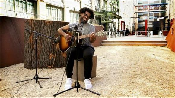Sweet Sunny Rays With R.LUM.R. On An Unseasonably Warm Winter Day