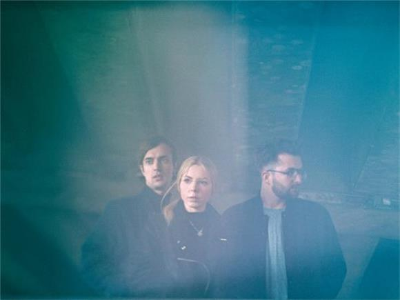 HAELOS Share Their Anthemic Dark Synth Rock