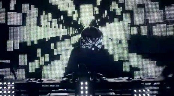 Watch: Squarepusher