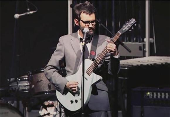 NOW PLAYING:  EELS Grace Royal Albert Hall With 90 Minute Set
