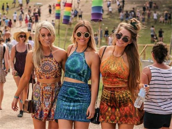 What A Girl S Festival Outfit Means Baeble Music