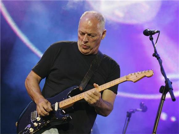 Pink Floyd's David Gilmour Pays Tribute To Prince