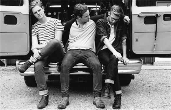 PREMIERE: Colony House Jams 'Silhouettes' In Their Van
