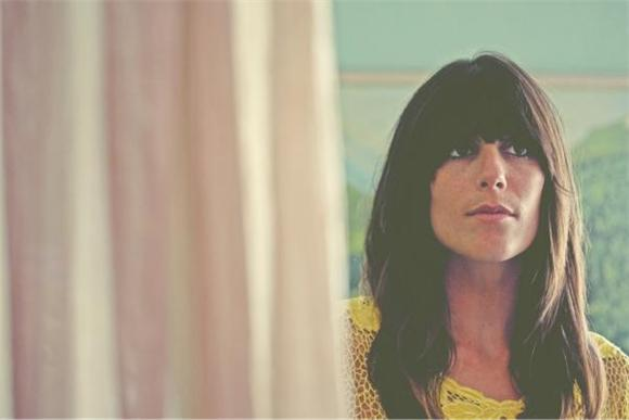 Nicki Bluhm and The Gramblers Give A Knowing Nod To Classic 70s Country Rock
