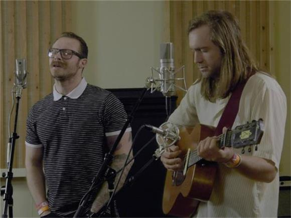 Penny and Sparrow Set The Senses A Tingle In Session