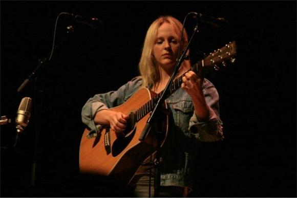 Out And About: Laura Marling at The Roulette Room