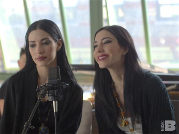 THROWBACK THURSDAY: In Session with The Veronicas