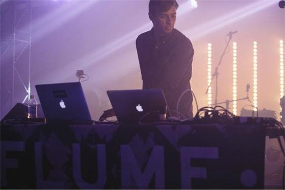 Aussie Synth Savant FLUME Vents Aquatic Pulse