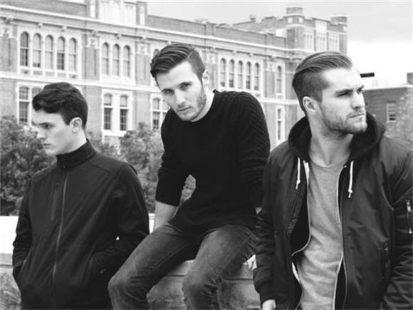 BAEBLE FIRST PLAY: DAWNS Exclusive Video Premiere for