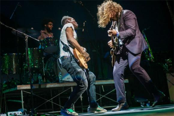 Jim James and The Roots Perform Unimaginable Covers in Brooklyn