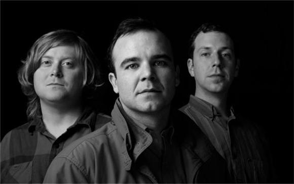 Future Islands Brings Viewers Home