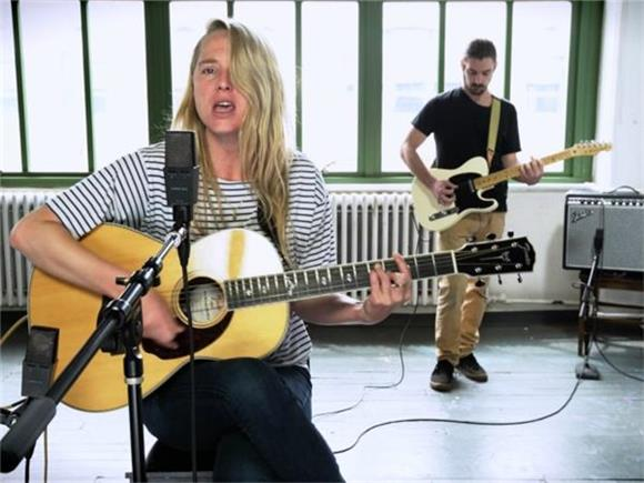 Now Playing: A Powerhouse Performance From Midwestern Siren, Lissie