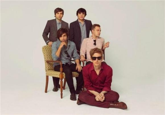 Spoon Unwinds with New Single 'Do You'