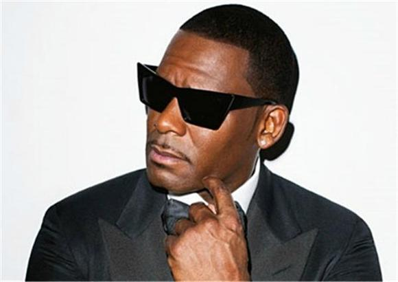 R.Kelly Believes He Can Make a Fly EDM Album