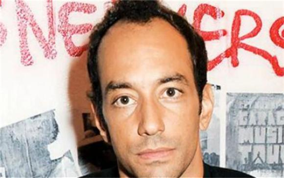 Albert Hammond Jr. Is In Hysterics In New Video