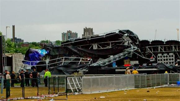 Stage Collapse Of The Day: Cheap Trick