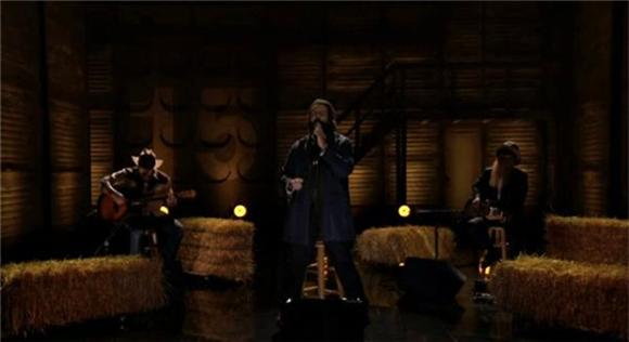 Reggie Watts Sprinkles ZZ Top and Coheed and Cambria Over A Country Ballad on Conan